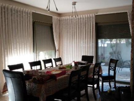 עינב גלילי, פינת אוכל, לפני, צילום ביתי