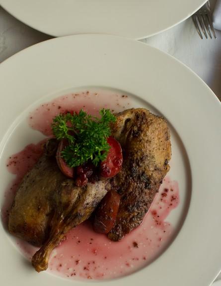 ברווז אפוי בקרקוב (צילום: יוני נמרוד, אוכל טוב)
