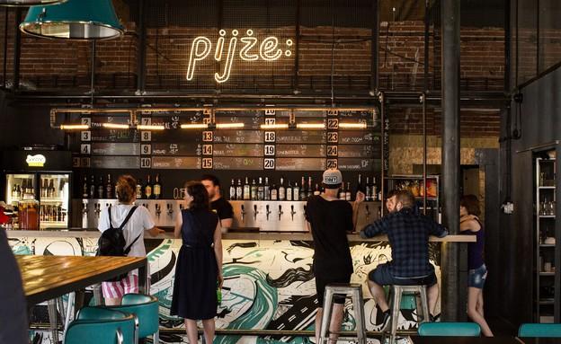 בר בירה בקרקוב (צילום: יוני נמרוד, אוכל טוב)