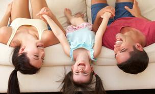 אמא אבא בת  (צילום: Shutterstock)