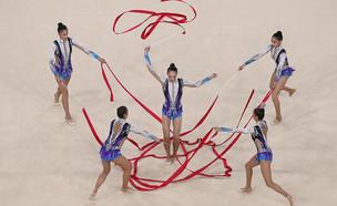 נבחרת ההתעמלות האמנותית. יאללה מדליה (צילום: Mark Kolbe, GettyImages IL)