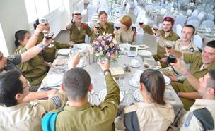 חיילים בודדים (צילום: אירוע בקליק צילום והפקת אירועים)