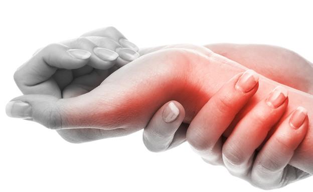 כאב בשורש כף היד (צילום: BLACKDAY, Shutterstock)