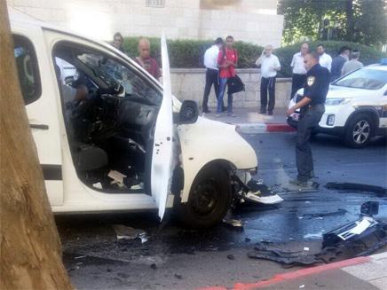 פיצוץ ברכב בירושלים (צילום: צבי לב/TPS)
