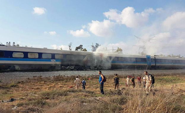 שריפה ברכבת (צילום: כבאות מחוז חוף)