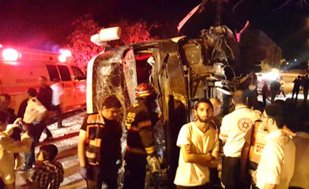אוטובוס התהפך: אוטובוס התהפך בצפת, 3 נפצעו קל