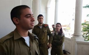 החייל אלאור אזריה שמואשם בהריגת מחבל (צילום: חדשות 2)