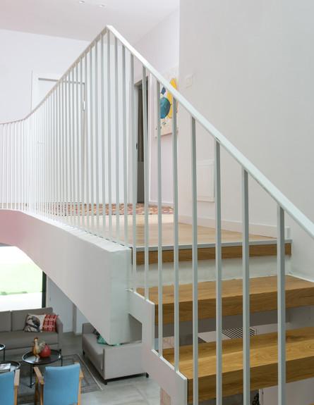 נועה קפלן לוי, ג, מדרגות (53) (צילום: שירן כרמל)