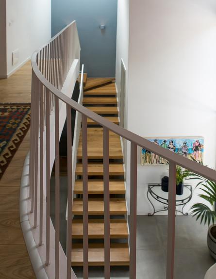 נועה קפלן לוי, ג, מדרגות (61) (צילום: שירן כרמל)