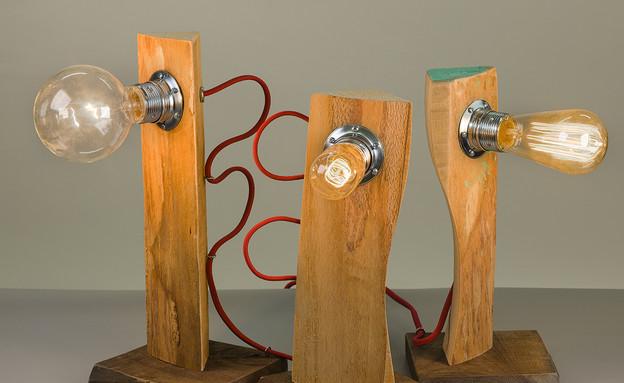 מיכלויטל04_מנורות מחומרים ממוחזרים של נגריא (צילום: אורי גרון)