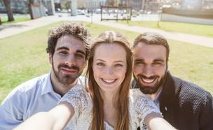 """""""סלפי חברים"""" (צילום: loreanto, Shutterstock)"""