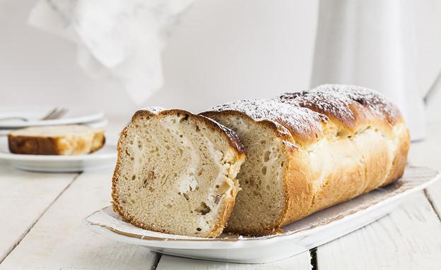 עוגת שמרים עם גבינה ואגוזים  (צילום: אסף אמברם, אוכל טוב)