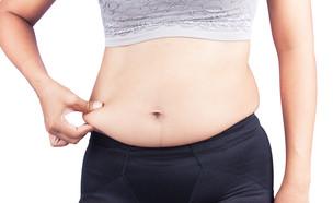 בטן של אישה (צילום: Pikul Noorod, Shutterstock)