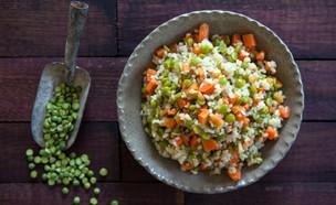 אורז מלא עם אפונה וגזר (צילום: אסף רונן, אוכל טוב)