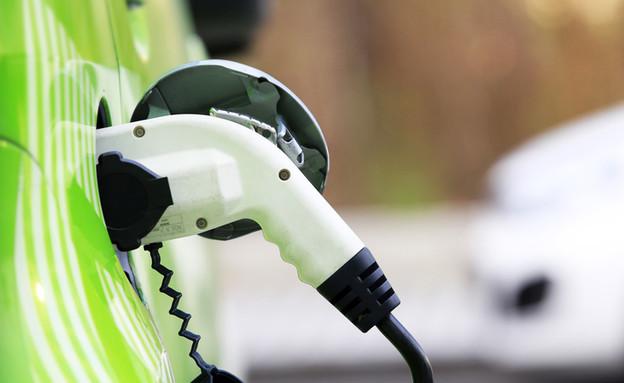 רכב חשמלי (צילום: ShutterStock)