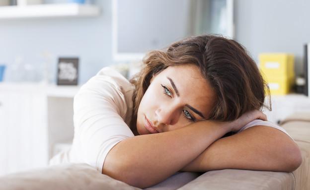 אישה עצובה (צילום: Nikodash, Shutterstock)