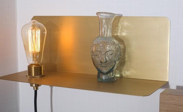 מרב שדה, גוף תאורה פליז חדר הורים שהוזמן במיוחד (צילום: איקו פרנקו)