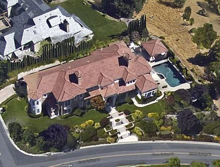 האחוזה של קארי טולסטד בקליפורניה (צילום: גוגל מפות)
