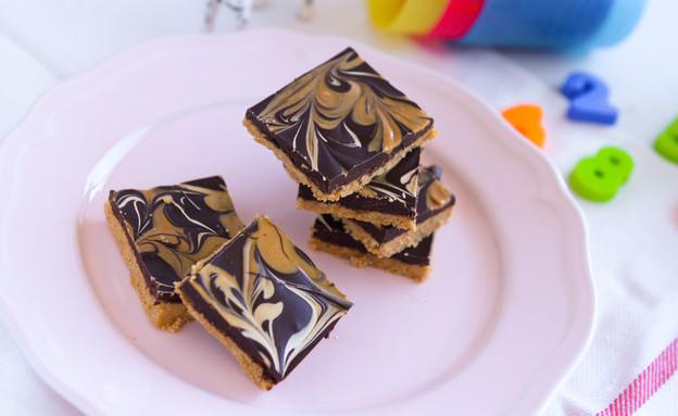 ריבועי שוקולד וחמאת בוטנים ללא אפייה (צילום: ערן לוי, אוכל טוב)
