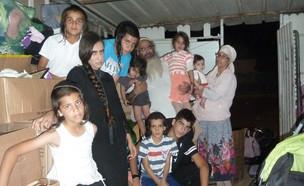 ברנרד (אברהם) בן הרוש ומשפחתו (צילום:  שמעון איפרגן   )