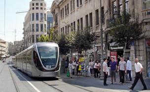 הרכבת הקלה בדרך יפו בירושלים (צילום: ChameleonsEye, shutterstock)
