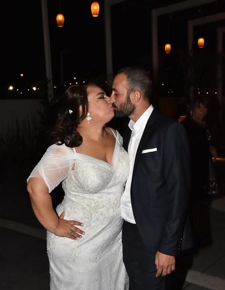 אמירה והחתן (צילום: אביב חופי)