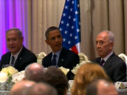 עם אובמה ונתניהו בבית הנשיא
