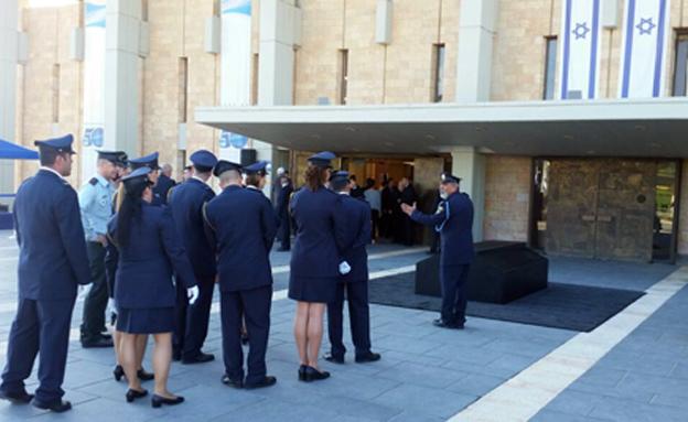 ארונו של שמעון פרס הוצב במשכן הכנסת (צילום: חדשות 2)