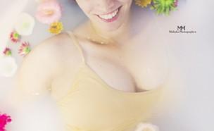 מלי פנסו - אמבטיית חלב (צילום: מלי פנסו)