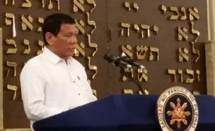 צפו בביקורו של הנשיא בבית הכנסת אחרי השערוריה