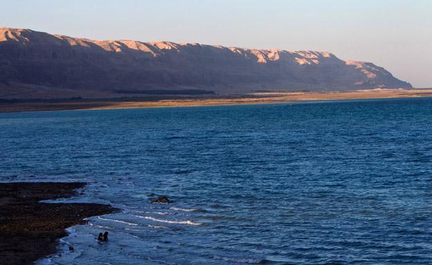 ירידה של מעל מטר בשנה. ים המלח (צילום: רויטרס)