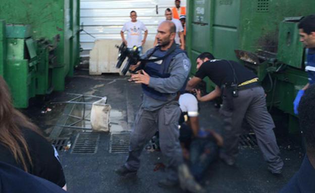 זירת הפיגוע בנתניה ביוני האחרון (צילום: דיווחי הרגע)