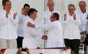 זכה למרות דחיית הסכם השלום, סנטוס משמאל (צילום: רויטרס)