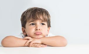 ילד מבקש סליחה (צילום: Shutterstock)