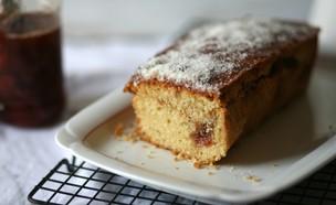 עוגת קוקוס וריבת תות (צילום: קרן אגם, אוכל טוב)