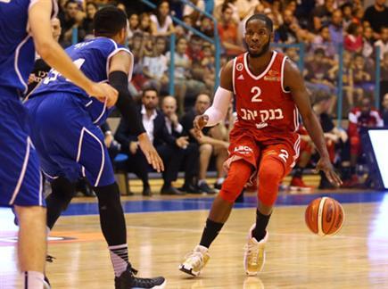 האדומים הסתדרו בלי אמארה ואליהו (לירון מולדבן) (צילום: ספורט 5)