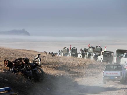 """צבא עירק מתקיף מטרות דאע""""ש, ארכיון (צילום: רויטרס)"""