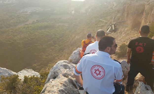 """הפינוי ממערת קשת (צילום: אלון קוצי, תיעוד מבצעי מד""""א)"""