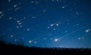 כוכב נופל בהזמנה אישית (צילום: Ruslan Kharchenko, 123RF)