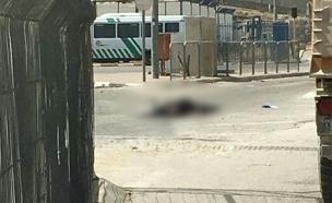 זירת הירי במחסום קלנדיה (צילום: עד ראייה)