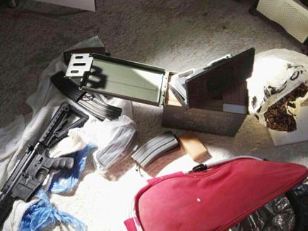 רובים הוסתרו בבתי מגורים