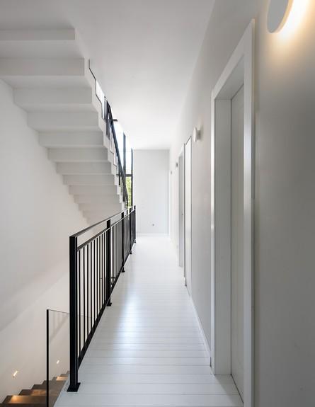 גליה ואנונו, ג, מדרגות (9) (צילום: עמית גושר)