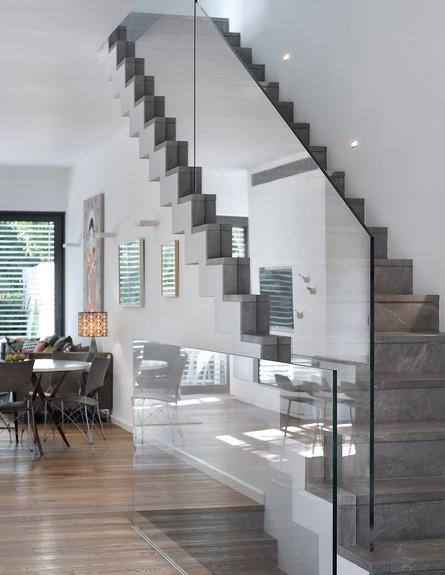 גליה ואנונו, ג, מדרגות (26) (צילום: עמית גושר)