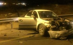 אחד הרכבים בזירת התאונה