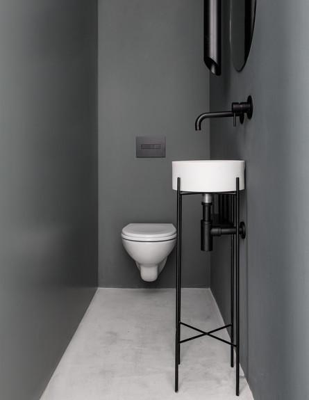 יעל ודפנה, ג, שירותים (4) (צילום: איתי בנית)