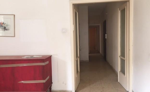 יעל ודפנה, לפני השיפוץ, צילום ביתי (1) (צילום: איתי בנית)