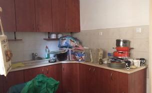 יעל ודפנה, מטבח לפני השיפוץ, צילום ביתי (29) (צילום: איתי בנית)