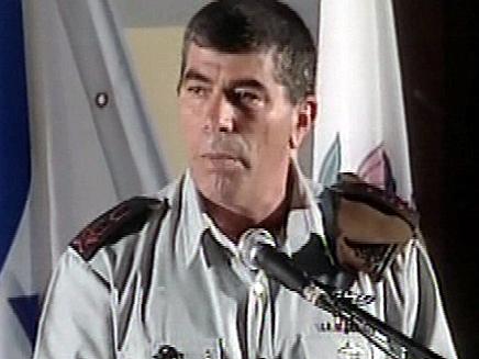 """הרמטכ""""ל גבי אשכנזי. ממשיך להילחם בשערורי (צילום: חדשות 2)"""