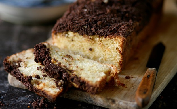 עוגת וניל ופירורי קקאו (צילום: קרן אגם, אוכל טוב)