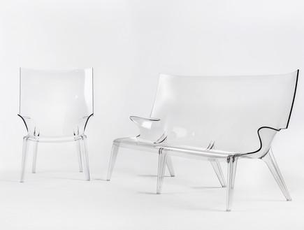 שקוף, כיסא וספה של פיליפ סטארק, 2450 שקל ו-6630 שקל, להשיג בהביטאט